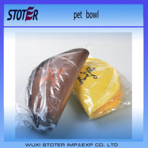 Two Colours for Choice Portable Wholesale Folding Travelling Dog Bowl pictures & photos