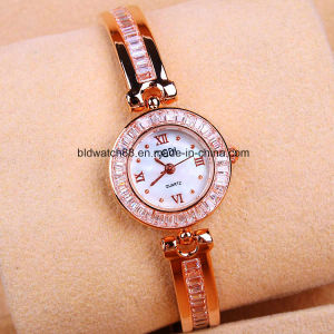 Fashion Lady Gold Jewellery Watch with Japan Movement pictures & photos