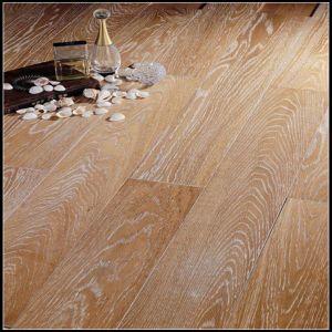 Wide Plank White Washed Engineered Oak Wood Floor/Hardwood Flooring pictures & photos