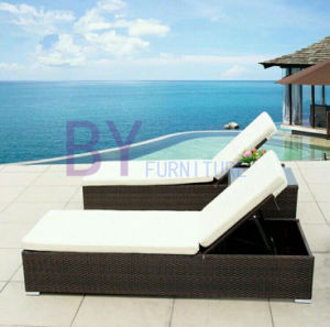 Outdoor Rattan Beach Chairs/ Sunbed/ Lounger/Daybed pictures & photos