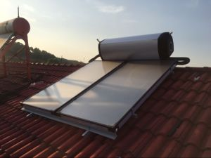 High Efficiency Pressure Plate Solar Water Heater pictures & photos