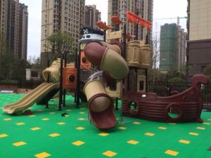 2016 Best Selling Outdoor Playground, Children Playground (HD16-135A) pictures & photos