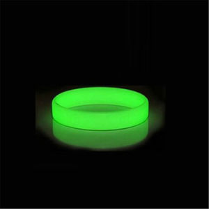 2017 Promotion Gift Glow in The Dark Silicone Wristbands pictures & photos