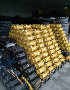 Excavator Undercarriage Parts Hyundai R290 Track Roller Bottom Roller pictures & photos