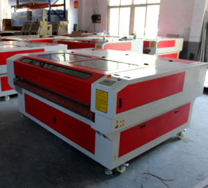 CO2 Automatic Feeding PVC Fabric Sanding Paper Laser Cutting Machine pictures & photos