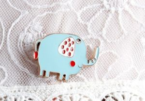 Cute Little Animal Brooch with Cat, Elephant and Pig Fashion Jewelry pictures & photos