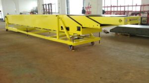 Telescopic Belt Conveyor for Truck Loading/Unloading pictures & photos