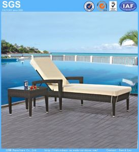 Rattan Garden Furniture Resort Pool Side Sun Lounger pictures & photos