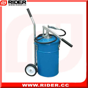 25kg Big Capacity Wheel-Mounted Manual Grease Pump pictures & photos