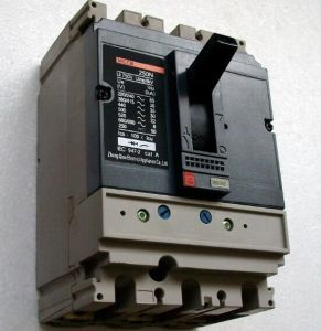 Ns (X) Current Adjustable Moulded Case Circuit Breaker (HM2-250) pictures & photos