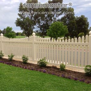 PVC Fence for North American (FM404) pictures & photos