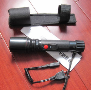 105 Dizziness Flashlight Swat Tactics Electric Shock Stick Riot Stun Guns pictures & photos