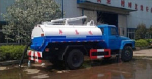 Dongfeng 4X2 160HP Sewage Vacuum Suction Waste Collector Truck pictures & photos
