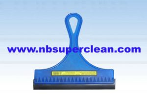 Hot Selling Car Cars Glass Window Clean Wiper (CN1631) pictures & photos