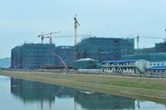 Construction Building Lifting Crane pictures & photos