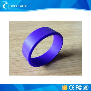 Ntag213 Waterproof NFC Silicone 125kHz RFID Wristband for Access Control pictures & photos