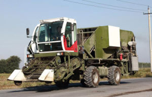 Self Propelled 132kw Tomato Harvester pictures & photos