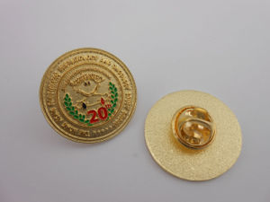 Custom Antique Gold Plated Metal Badge (GZHY-KA-026) pictures & photos