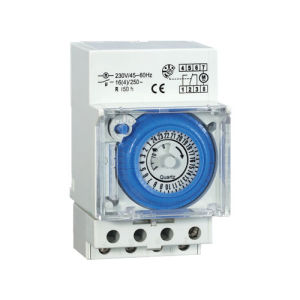 Ahc 15A Electronic with LCD Digital 24hours Weekly Program Timer/ Time Switch pictures & photos