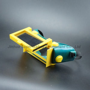 Flip-up Front Lens Welding Goggles with Indirect Vents (WG115) pictures & photos