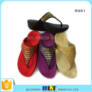 Factory Direct Summer Slippers New Design Woman Slippers pictures & photos
