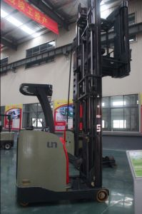 1300kg Man-Down Very Narrow Aisle Truck Warehouse Equipment with Triplex 9.0m pictures & photos