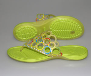 OEM Specially Design Flip Flops pictures & photos
