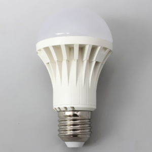 New LED Light Waterproof 5W DC12V LED Bulb Light pictures & photos
