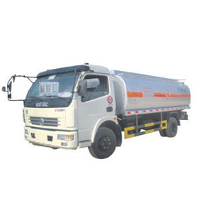 Leading Dongfeng 4*2 Fuel Trucks pictures & photos