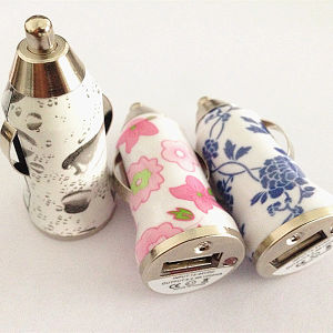 Hot Sell 5V 1A Flower Printed Single USB Car Charger Universal Mini USB Charger pictures & photos