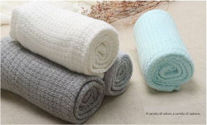 100% Muslin Organic Bamboo Blanket, Baby Swaddle Blanket pictures & photos