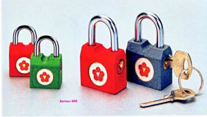 Side-Opening Color Iron Padlock pictures & photos