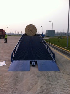 Hydraulic Ramp / Mobile Yard Ramp/ Ramps / Ramp / Dock Ramp pictures & photos