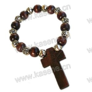 Gold Oval Wood Beaded Cross Rosary Bracelet pictures & photos