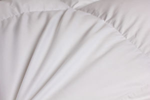 Hot Selling 100% Cotton Cover 90% Goose Down Filling Comforter pictures & photos