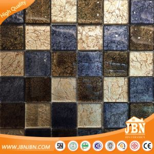 Chessboard Golden Leaf Glossy Wall Tile Glass Mosaic (G848015) pictures & photos