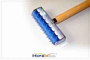 Wall Paper Roller with Wooden Handle (0913001) pictures & photos