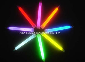 Glow in The Dark Glow Light Sticks Wave at Music Festivals pictures & photos