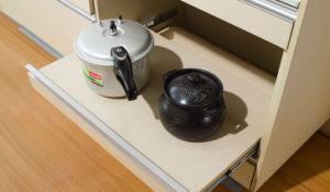 2017 Cheap Melamine Kitchen Cabinets (zg-012) pictures & photos
