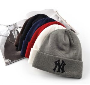 Promotion Embroidered Logo Knitted Winter Hats pictures & photos