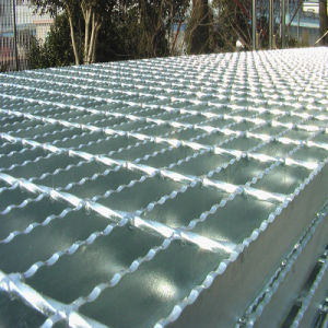 Non Slip Serrated Steel Grating pictures & photos