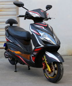 Good Price & Good Quality E-Scooter pictures & photos
