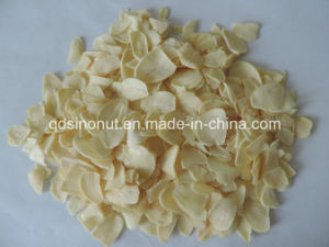 Dehydrate Garlic Flakes (grade A) pictures & photos