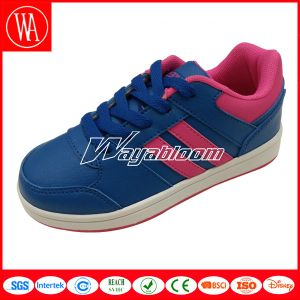 Lace-up Waterproof Children Skate Shoes pictures & photos