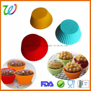 Factory Wholesale FDA Approved Mini Cupcake Silicone Mould pictures & photos