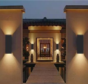 9W Excellent Lighting Effect LED Outdoor Wall Light pictures & photos