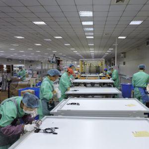 Tier 1 World Famous Brand Wholesale Price Q Cells 260 Watt pictures & photos
