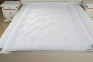 New Fiber Outlast Quilt Made in China pictures & photos