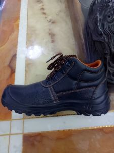 Steel Toe Safety Shoes for Workers pictures & photos