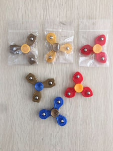 Hot Promotion Giveaways Gifts Cheap Fidget Toys Hand Spinner pictures & photos